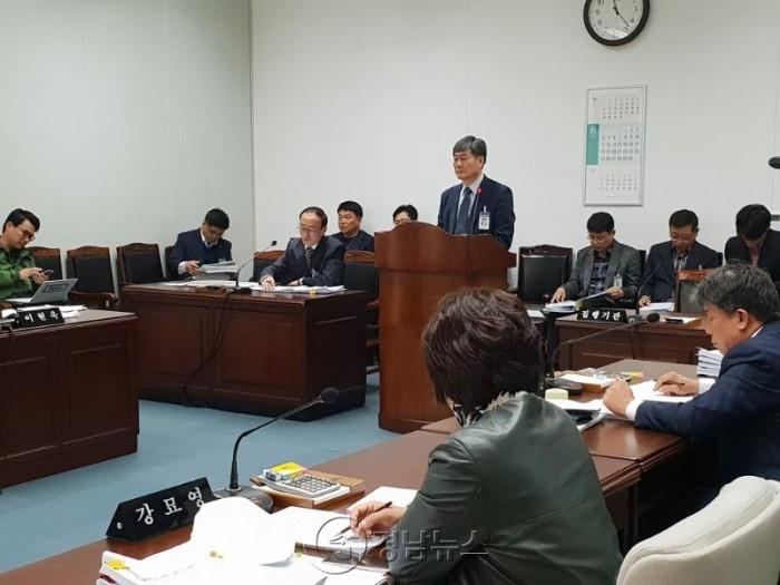 진주시의회, 신진주 역세권 사업 특혜 의혹 강력 비판